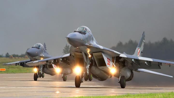 (FOTO/VIDEO) Aviația rusă lansează bombe în Siria pe care este scris un MESAJ PATRIOTIC