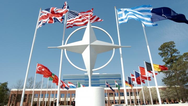 NATO se întruneşte de urgenţă, după doborârea avionului de vânătoare al Rusiei