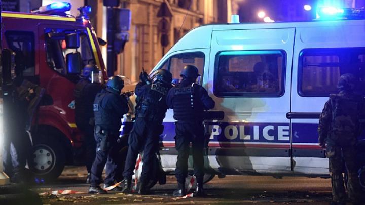 TEROARE la Paris! Explozii și masacru în centrul orașului. Președintele Hollande, EVACUAT (FOTO/VIDEO)