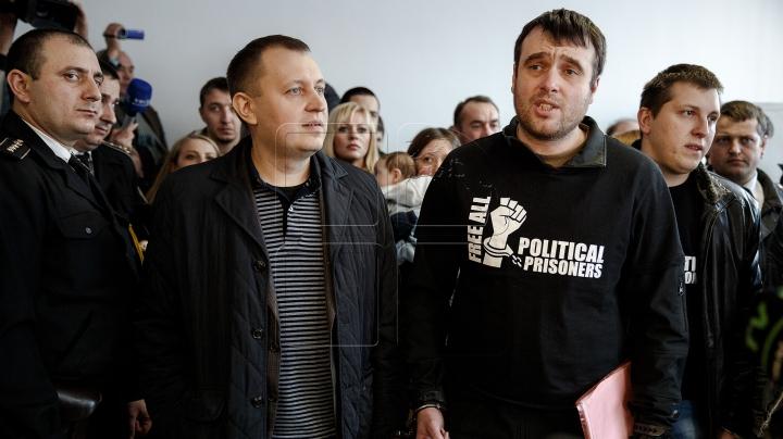 Petrenco şi membri Antifa, implicaţi în altercaţii la Procuratura Generală, merg în faţa judecătorilor
