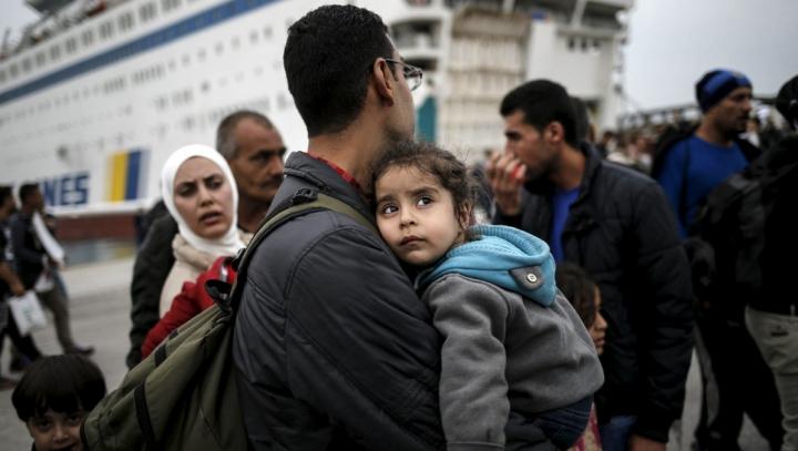 Sute de imigraţi, descoperiţi într-un camion frigorific! Unde se îndreptau refugiaţii