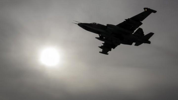 """""""ESTE UN PILOT RUS"""". IMAGINI după doborârea avionului militar la frontiera Turciei (VIDEO 18+)"""