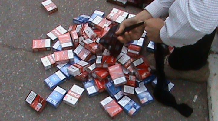 Captură impresionantă de ţigări de contrabandă la graniţa cu România (FOTO)