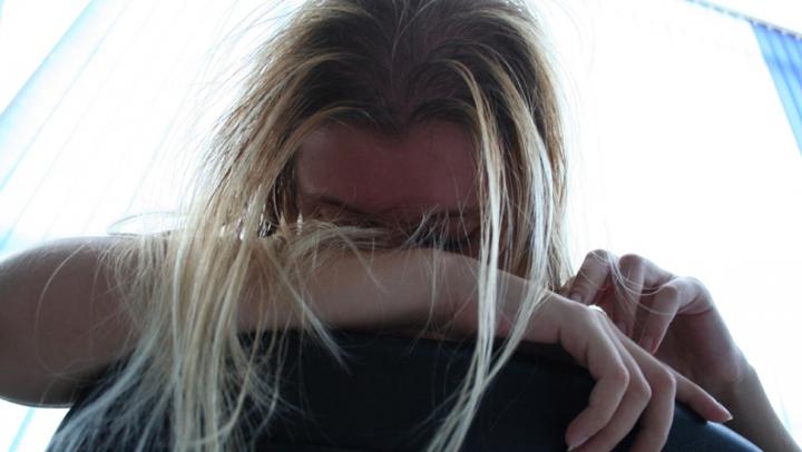 COŞMAR pentru o adolescentă din Orhei. Minora ar fi fost violată de un tânăr chiar în stradă