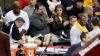 O vedetă din NBA a doborât o spectatoare, încercând să salveze o minge