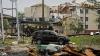 TORNADE DEVASTATOARE în SUA: Mai mulți oameni au murit, iar zeci de locuinţe au fost distruse
