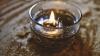 """""""Cu lampa am înmormântat-o pe mama"""". O femeie din Hâncești trăiește fără electricitate în secolul XXI (VIDEO)"""