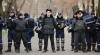 Îşi riscă viaţa pentru ţară, dar au o imagine pătată! Poliţiştii din Moldova celebrează ziua profesională