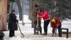 PREMIERĂ în Moldova! Autoritățile vor testa un nou tip de material antiderapant pe trotuare