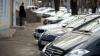 Cum au fost pedepsiți câţiva șoferi din Chişinău, care și-au parcat mașinile neregulamentar (FOTO)