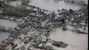 Inundaţii devastatoare! Sute de oameni au fost evacuaţi şi mii au rămas fără curent electric