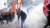 NO COMMENT! Un protest paşnic, înăbuşit cu apă şi fum în Turcia