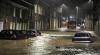 Inundaţii în Marea Britanie. Zeci de mii de locuinţe au rămas fără curent din cauza potopului