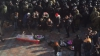 Porc mort într-un sicriu. Protest nemaivăzut la Kiev (VIDEO)