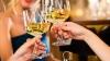 De ce vinul se bea din pahare mari? ŞMECHERIA la care recurg producătorilor