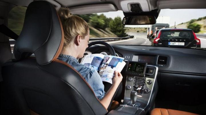 Cât de pregătiţi sunt oamenii ca să-și încredinţeze vieţile maşinilor cu autopilot
