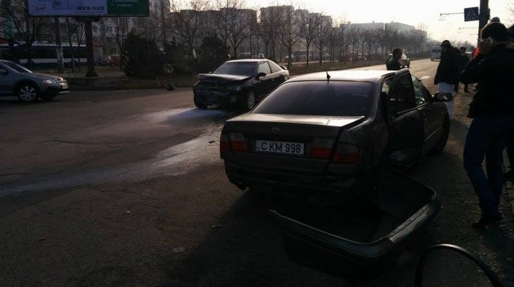 GRAV accident rutier la Ciocana! Într-o maşină se aflau doi copii minori (FOTO)