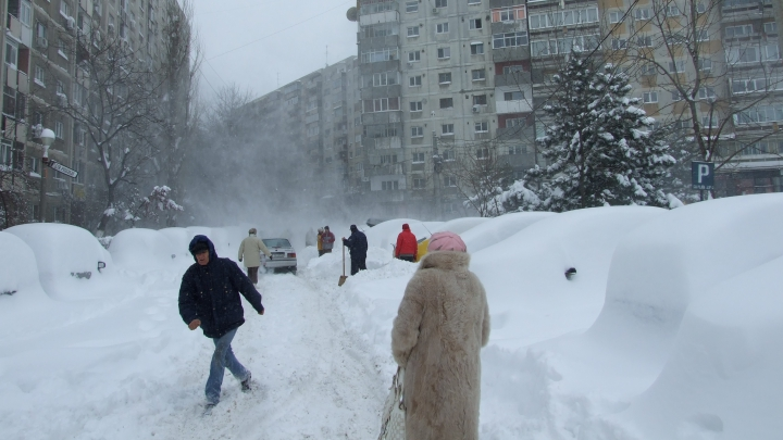 Iarna a venit mai devreme! În România zăpada a atins 20 de centimetri (VIDEO)