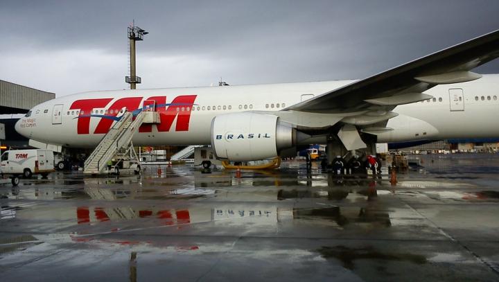 Un avion al unei companii braziliene a făcut cale întoarsă din cauza unei alarme cu bombă