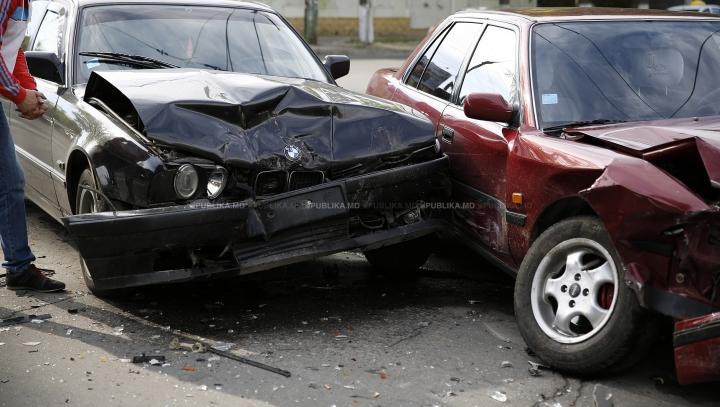 SFIDEAZĂ ORICE EXPLICAŢIE: TOP 10 cele mai ciudate accidente rutiere (VIDEO)