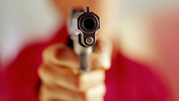 JAF la o staţie PECO din Cahul. Un operator a fost AMENINŢAT cu o armă (VIDEO/FOTO)