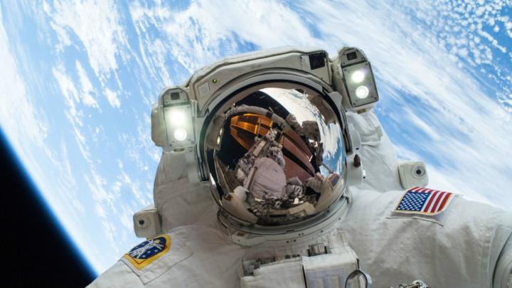 Visezi să devii ASTRONAUT? NASA îţi oferă o ocazie unică