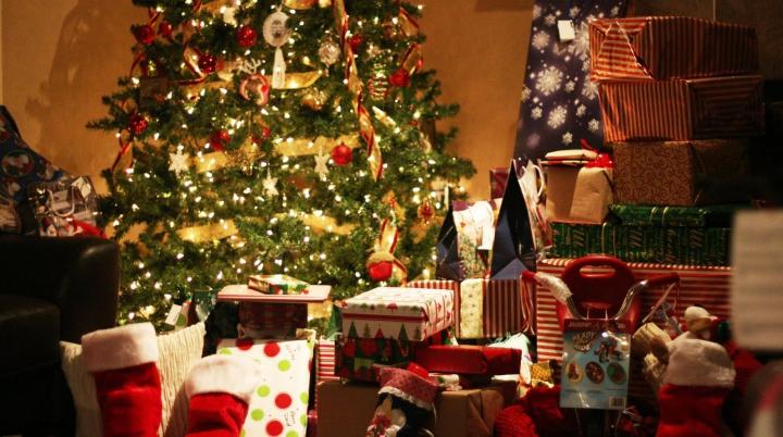 Ce cadou să cumperi de Crăciun pentru cei dragi în funcţie de zodie