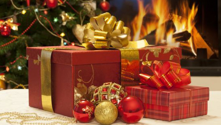 Impresionează-i pe cei dragi! Cum să faci FUNDA PERFECTĂ pentru cadourile de Crăciun (VIDEO)