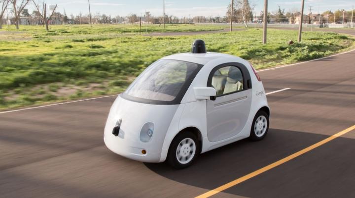 Sfârşit pentru taximetrişti? Google va lansa un rival pentru Uber cu maşini autonome