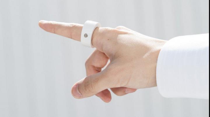 IDEE REVOLUŢIONARĂ. Samsung vrea să-ți aducă notificările pe deget printr-un inel inteligent