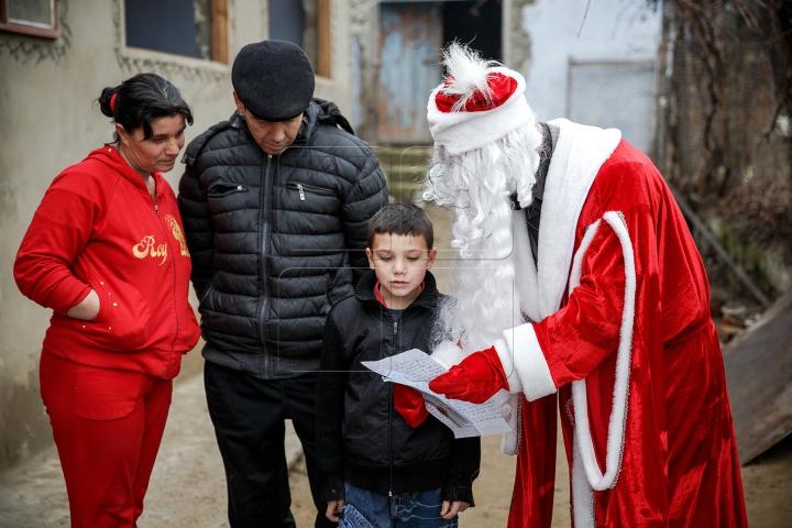 Moş Crăciun EXISTĂ. Cum i-a îndeplinit solicitarea unui băieţel din Măşcăuţi, Criuleni (FOTO REPORT)