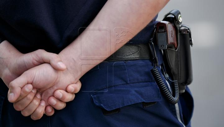 Poliţist din Bălţi cu obrazul curat. A refuzat mita unui bărbat şi l-a denunţat procurorilor