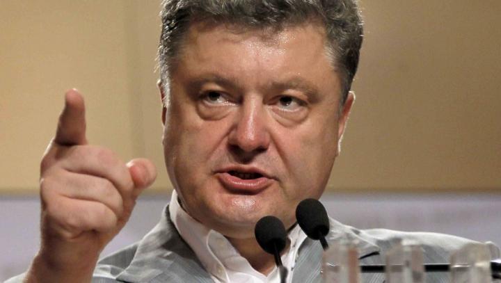 Poroşenko face DECLARAŢII INCENDIARE: Putin vrea să populeze Crimeea cu ruşi din Siberia
