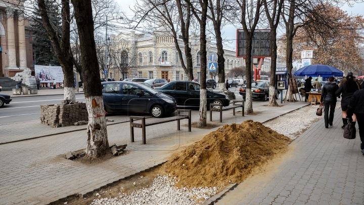 NO COMMENT! Ce se întâmplă pe trotuarele din centrul Capitalei în ajunul sărbătorilor de iarnă (FOTO)