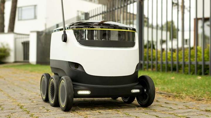 Mici roboţi autonomi ar putea deveni în curând o prezenţă obişnuită pe trotuare (Video)