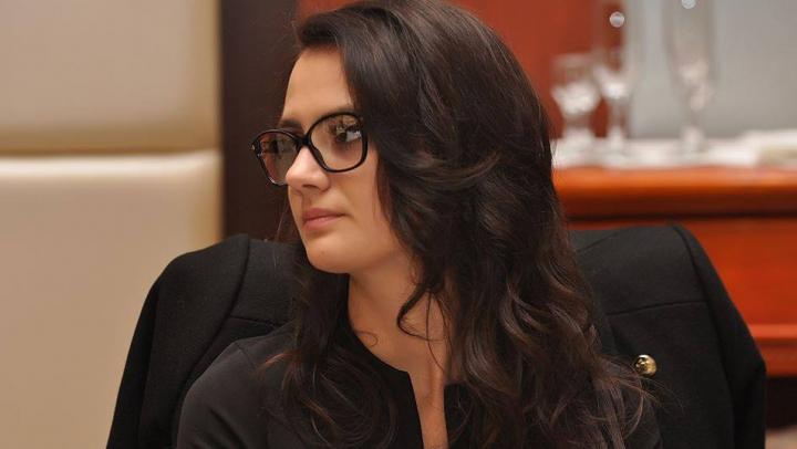 PLECĂRI de la Guvern. Sabina Cerbu a scris cerere de demisie din funcţia de vicemnistru al Justiţiei