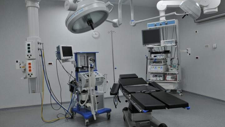Premieră în Europa: Copii operați pe cord închis în Franța, grație unei tehnologii 3D