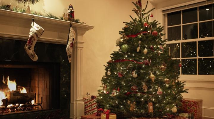 GREŞEALĂ FATALĂ! Ce NU trebuie să faci atunci când împodobeşti Pomul de Crăciun