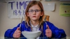Un copil de şapte ani are o afecţiune rară! Niciodată nu-i este foame, nu oboseşte și nu simte durere