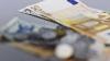 LEUL SE DEPRECIAZĂ în raport cu euro şi dolarul! Experţii explică care este cauza