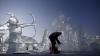 Principala atracţie a festivalului sculpturilor de gheață din Harbin: Are 51 de metri înălţime (FOTOREPORT)