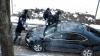 Maşina de serviciu a ministrului Culturii, Monica Babuc, distrusă de protestatari