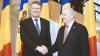 Preşedintele moldovean l-a decorat pe preşedintele român cu cea mai înaltă distincţie de stat