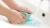 UTIL! Cum să cureţi petele de ulei fără detergent