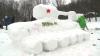 Tradiţie consolidată de la an la an. Zeci de moldoveni s-au distrat, sculptând în zăpadă