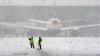 Viscolul şi ninsorile fac ravagii la Moscova. Peste 100 de zboruri au înregistrat întârzieri