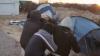 NO COMMENT! Doi jurnaliști olandezi, ATACAȚI de imigranții dintr-o tabără instalată la Calais (VIDEO)