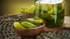 Avertismentul medicilor: Trebuie să știi ASTA înainte de a mânca castraveți murați