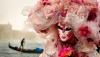 Parade de măşti, concerte şi baluri la Carnavalul de la Veneţia