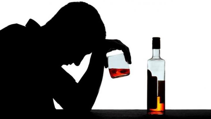 Metoda inedită împotriva dependenţei de alcool la care au apelat locuitorii unui sat din India